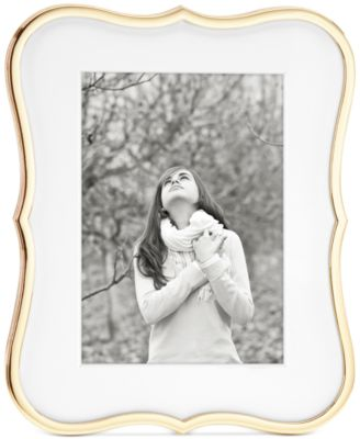 """Crown Point Collection Gold-Plated 5"""" x 7"""" Frame"""