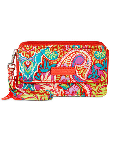 Find helpful customer reviews and review ratings for Vera Bradley Little Mandy in Canterberry Magenta at psychirwifer.ml Read honest and unbiased product reviews from our users.