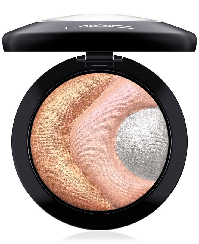 MAC Future MAC Mineralize Skinfinish Highlighter