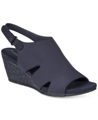 Image of Bandolino Galedale Wedge Sandals
