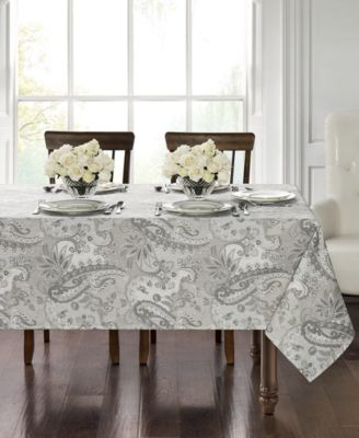 """Taylor 70"""" Round Tablecloth"""