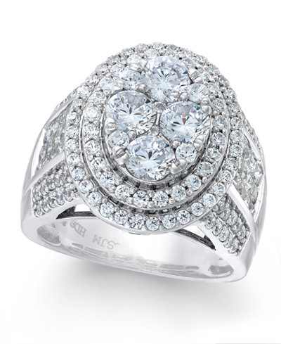 Diamond Oval Cluster Ring (3 ct. t.w.) in 14k White Gold