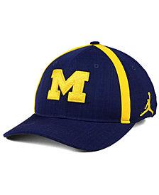 Nike Boys' Michigan Wolverines Aerobill Sideline Cap