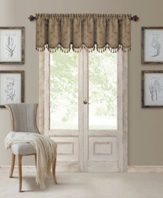 "Mia 52"" x 19"" Blackout Scalloped Valance"