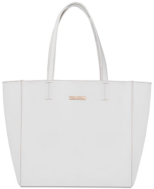 Oscar de la Renta Receive a FREE Tote Bag with any TWO item purchase from the Oscar de la Renta fragrance collection