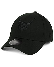 New Era Charlotte Hornets Blackout 39THIRTY Cap