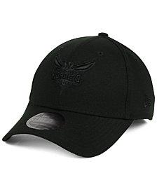 New Era Charlotte Hornets Blackout 39THIRTY Cap