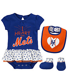 Outerstuff New York Mets Bib & Booty Set, Infant Girls (0-9 Months)
