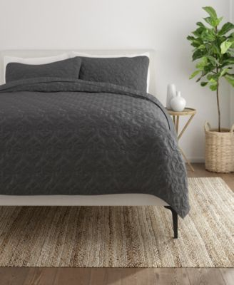 Home Collection Premium Ultra Soft Damask Pattern Quilted Coverlet Set, Twin