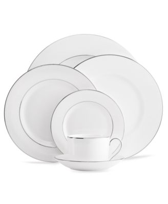 Dinnerware, Blanc sur Blanc 5 Piece Place Setting