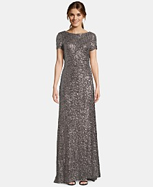 Betsy & Adam Petite Cowl-Back Short-Sleeve Gown