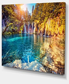 "Designart Turquoise Water And Sunny Beams Photography Canvas Print - 40"" X 30"""