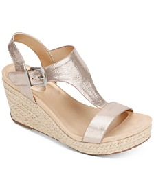 Kenneth Cole Reaction Women's Card Wedges