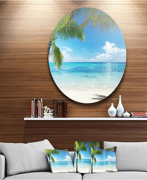 "Design Art Designart 'Palm Trees And Sea' Disc Landscape Photography Circle Metal Wall Art - 23"" x 23"""