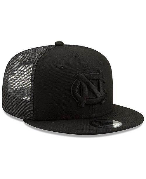wylot kup najlepiej wyprzedaż North Carolina Tar Heels Black on Black Meshback Snapback Cap