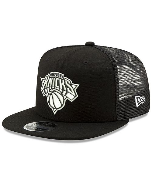 e82141d70ad374 ... New Era New York Knicks Dub Fresh Trucker 9FIFTY Snapback Cap ...