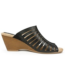 White Mountain Pisces Wedge Sandals