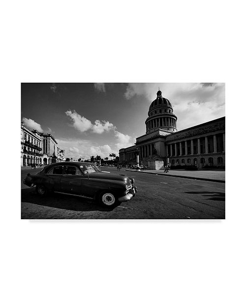 "Trademark Global Istvan Nagy 'Old Car Bw' Canvas Art - 32"" x 22"""