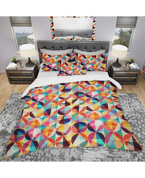 Design Art Designart 'Geometric Pattern Of Circles and Triangles' Modern Duvet Cover Set - Queen