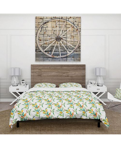 Design Art Designart 'Pattern With Watercolor Floral Elements' Country Duvet Cover Set - King