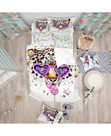 Designart 'Funny Leopard With Heart Glasses' Tropical Duvet Cover Set - Queen