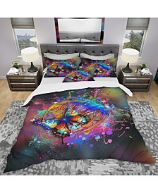 Designart 'Butterfly Over Abstract Background' Modern and Contemporary Duvet Cover Set - Queen