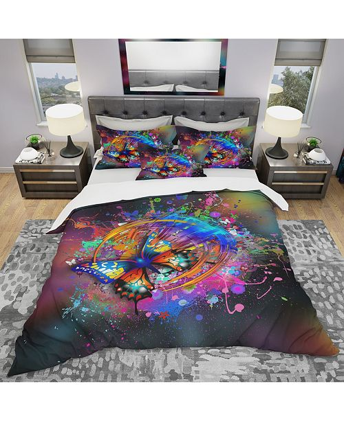 Design Art Designart 'Butterfly Over Abstract Background' Modern and Contemporary Duvet Cover Set - Queen