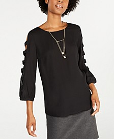 Juniors' Lattice Long-Sleeved Blouse with Necklace