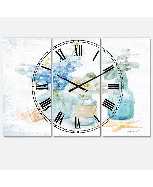 Designart Farmhouse 3 Panels Metal Wall Clock