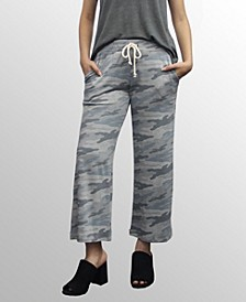 Womens Camo Print Cropped Pants