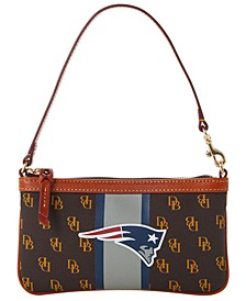 New England Patriots Stadium Signature Large Slim Wristlet