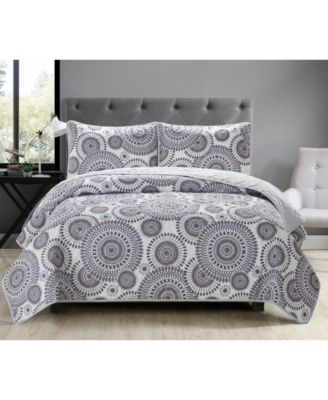Casual Living Starburst 3 Piece Quilt Set, Queen