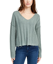 Juniors' Ribbed Raw-Hem Sweater