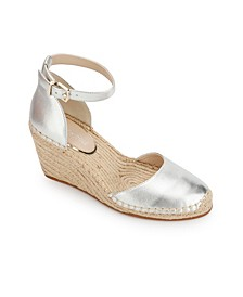 Olivia Low Closed Toe Wedge Sandals