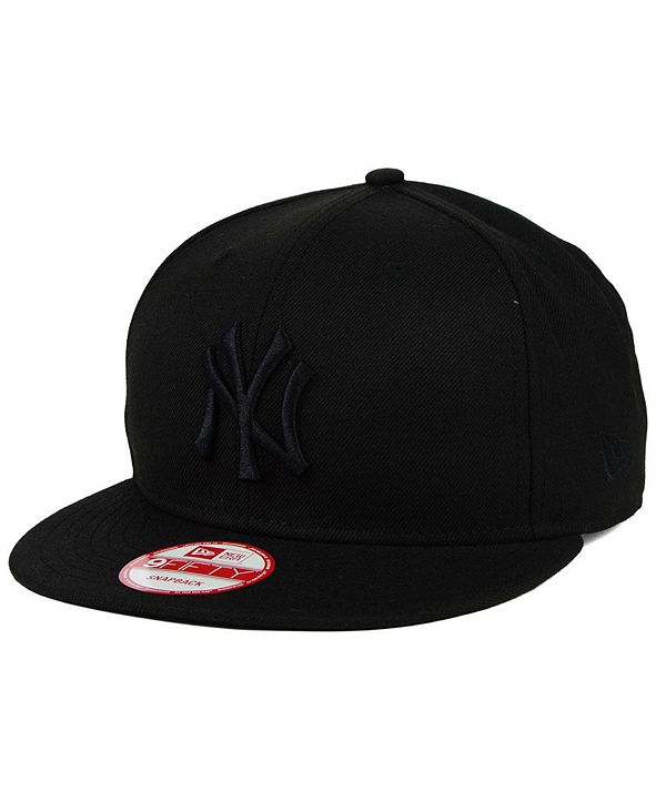 New Era New York Yankees Triple Black 9FIFTY Snapback Cap
