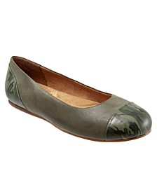 SoftWalk Sonoma Cap Toe Flat