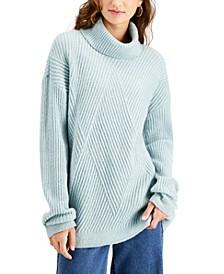 Juniors' Cozy-Knit Turtleneck Tunic Sweater