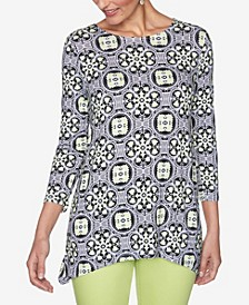 Plus Sizes Women's Geo Puff Print Top