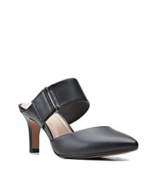 Women's Collection Illeana Daisy Shoes