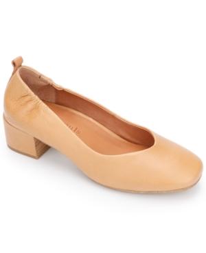 By Kenneth Cole Ella Pumps Women's Shoes