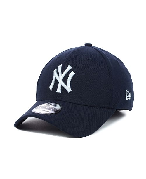 ... New Era New York Yankees MLB Team Classic 39THIRTY Stretch-Fitted Cap  ... f8775a79053