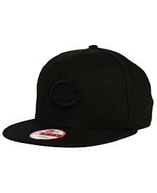 New Era Cincinnati Reds Black on Black 9FIFTY Snapback Cap