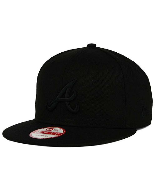 ... New Era Atlanta Braves MLB Black on Black 9FIFTY Snapback Cap ... 1c1bf5ef018