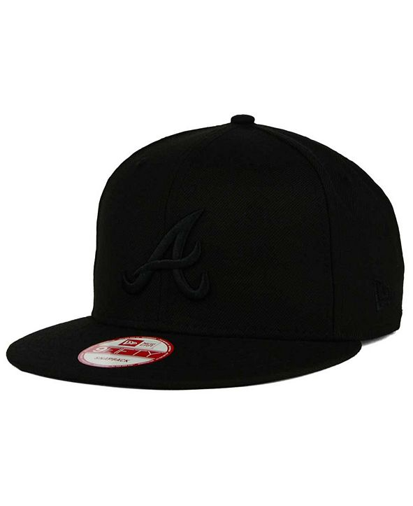 New Era Atlanta Braves MLB Black on Black 9FIFTY Snapback Cap