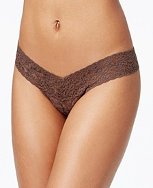 Signature Lace Low Rise Thong Underwear 4911