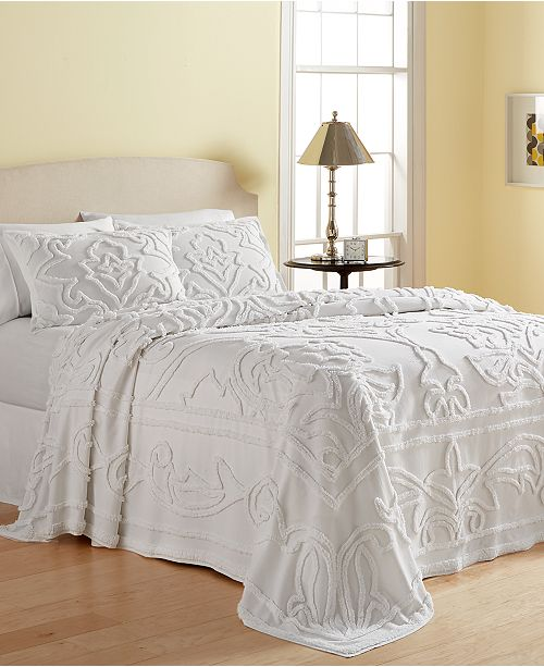 Add A Touch Of Texture And Clean Contemporary Style To Any Room With The Tufted Chenille Pattern Fresh White Tone These Wooster Cotton Bedspreads