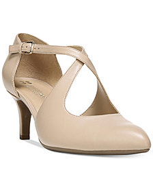 Naturalizer Okira Pumps