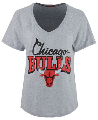 Mitchell & Ness Women's Chicago Bulls Score V-Neck T-Shirt