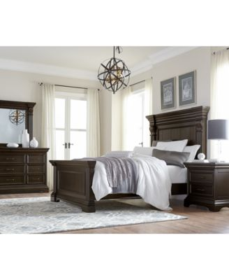 Carlisle Panel Bedroom Furniture, 3-Pc. Set (California King Bed, Chest & Nightstand)