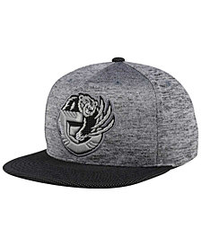 Mitchell & Ness Vancouver Grizzlies Space Knit Snapback Cap
